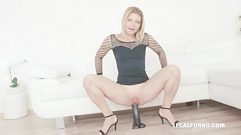Sindy Rose is back for more anal sex & creampie IV263