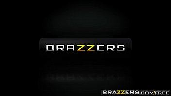 Brazzers - Mommy Got Boobs - (Brandi Love, Jordi El Nino Polla) 54秒