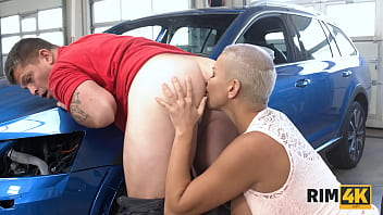 RIM4K. Car Mechanics Anus Is Tongued By A Sexy Short-haired Beauty