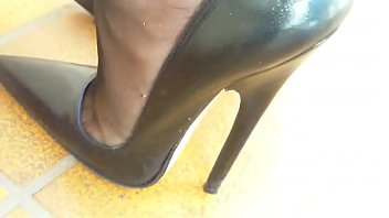 Heels mature - Mom gets home and puts on 7 inch heels. see pt2 at goddessheelsonline.co.uk