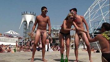 Naked animae boys Dançando pelado com a gostosona www.xvideossexoamador.com