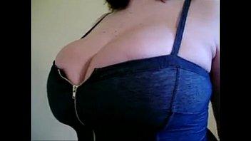 incredible tits unziping