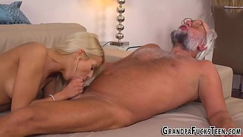 Teen gets pussy licked by gramps
