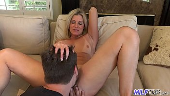MILFTRIP Step Mom Welcomes Step Son Home With Wet Mouth 12分钟