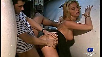 Eve s'offre un trio sensuel sur le cao