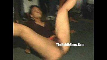 Amatuer strippers shakin...