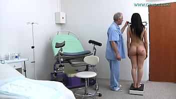 Streaming Video Nicole Love (18 yo) went to her gynecologist - XLXX.video
