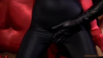 Batwoman Marvels at Ms Marvel (Kendra James/Angela Sommers)