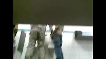 Pegação em banheiro de supermercado 2 Image