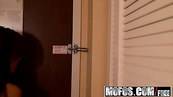 Mofos - Mofos B Sides - Ruby Knox and Holly Green - Amateurs Film Hotel Threesome