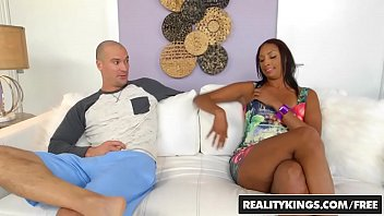 Rachel hunters sexy legs - Realitykings - milf hunter - annette worth sean lawless - worth it
