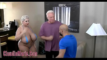 Huge Tit Claudia Marie Tore Up By Two Angry Men 5分钟