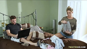 Amazingly busty Jessa Rhodes sets up a trap for the boyfriend