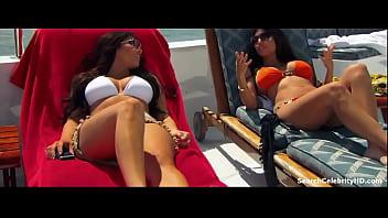 Kim Kardashian West Kourtney Kardashian in Kourtney Khloe Take Miami 2009-2010