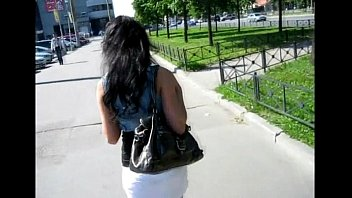 Slutty lady widens her legs