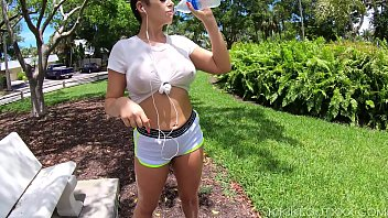 Streaming Video Busty Fitness Babe in Wet T-Shirt out Public - XLXX.video