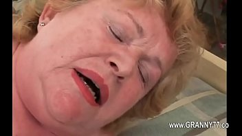 Super granny love deep penetrating