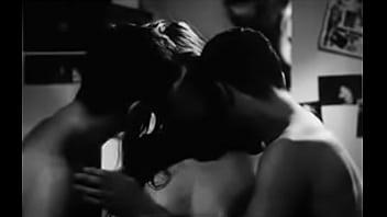 Je vous hais petites filles (Threesome erotic scene) MFM