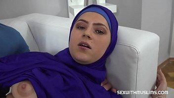 Vain Muslim woman fucked back to reality porno izle