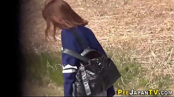 Hairy pussy asian pisses 10分钟