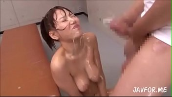 JAPANESE TAKE HUUUGE LOADS CUM DRENCHED thumbnail