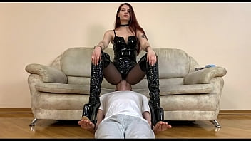 Fetish Queen Sofi Fullweight Facesitting in Latex Bodysuit and High Heels