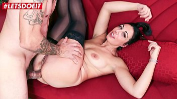 AMATEUR EURO Italian Babe Maot Rosi Takes Anal And Pussy Fuck In Casg