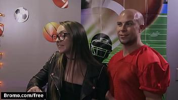 Eli Hunter Cheats His Girlfriend With Eddie Danger - Bromo