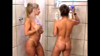 MO - Jaqueline Santarém e Sandra Filakoski - Banho (Sexy) 41 min