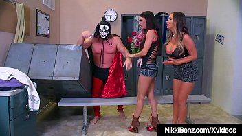 Nikki Benz & Jessica Jaymes Wrestle Mania Threesome! 11 min