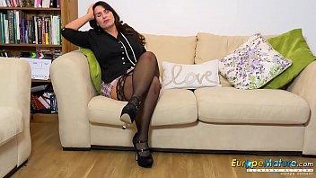 EuropeMaturE Hot British Mature Enjoy Office Fun 4 min