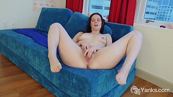 Yanks Savannah Sly Masturbating