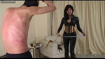 Japanese Femdom Whipping and Fingering Butt Hole 65秒