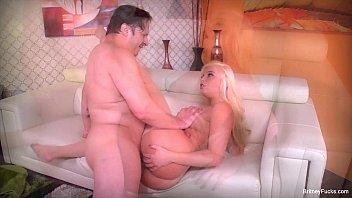 Britney Amber Fucks A Lucky guy Vorschaubild