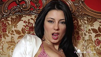 LaSublimeXXX Sofia Cucci loves solo play with a dildo in her ass 8分钟