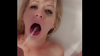 Submissive Guzzles Mouthfuls Of Piss thumbnail
