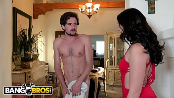 BANGBROS - Mandy Muse Works Out Her Big Ass While Step Brother Watches