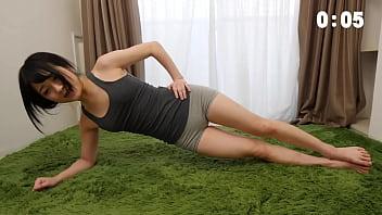 人気セクシー女優南梨央奈にガチ目の筋トレメニューを渡してみた 76 sec