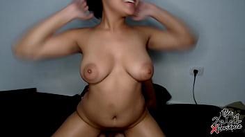 Le pago a una puta barata Venezolana  para que monte mi verga y le dejo el coño lleno de leche. Diana Marquez- Instagram: 2001xperience
