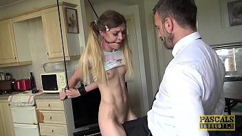 Sub Rhiannon Ryder dominated and left with mouthful of cum 9分钟