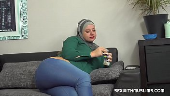 Muslim wife tries a cock cigarette thumbnail