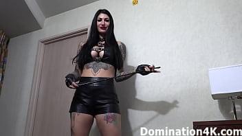 Worshiping Joslyn James&#039_ soft, sexy feet