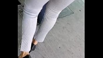 Flaquita con calz&oacute_n de luchador