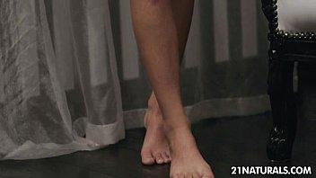 Shalina Divine - A Stranger's Feet 5 min