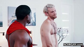 "Black gay hunk fucks hot white guy during audition <span class=""duration"">7 min</span>"