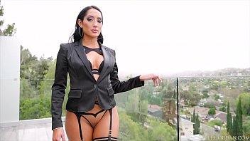 Jules Jordan - Chloe Amour's Black Cock Seduction Featuring Dredd
