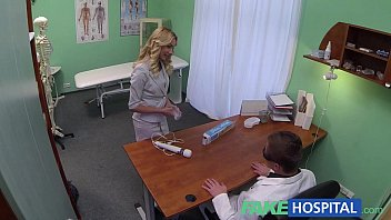 Fake Hospital Hot sales girl uses her tight pussy to close a deal [카메라 Hidden camera]