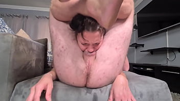 Rough throat fucking with foot locking and heavy gag 5分钟
