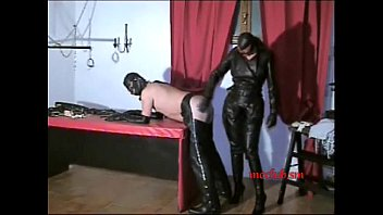 slave sucking her full leather mistress 00