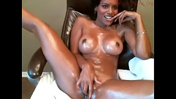 Sexy Indian Bitch Acting Freaking On Cam